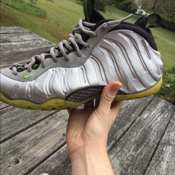 Here s A First Look At The Nike Air Foamposite One Metallic ...